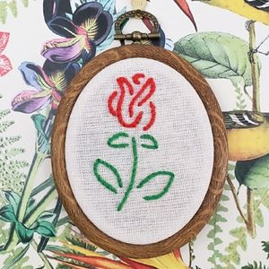 🌹Handmade Tattoo Style Embroidered Rose Wall Art